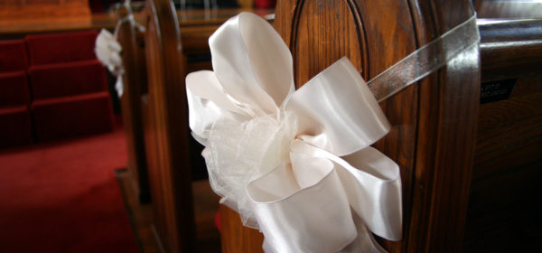 Wedding Decorations – Making Your Own Pew Bows